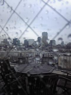 今日は〜雨〜ぇ〜♪