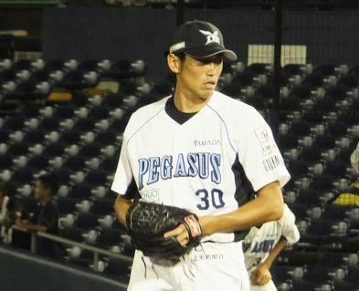 退団 菊地 投手兼任コーチ