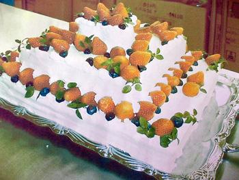 けいこちゃんのウエディングケーキ