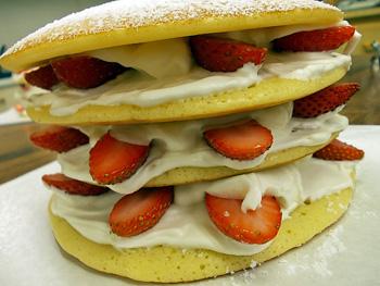 パンケーキのいちごミルフィーユ