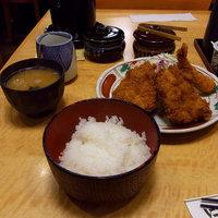 今月の研修メシとんかつの老舗 「とんかつ にいむら西新宿店」