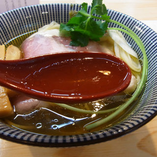 自家製麺 くろ松で特級中華そばを頂いてきました。