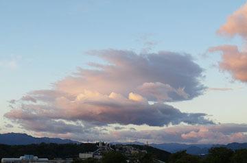 今朝の雲と浅間山の冠雪 ♪