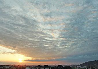 きのうと今朝の雲 ♪