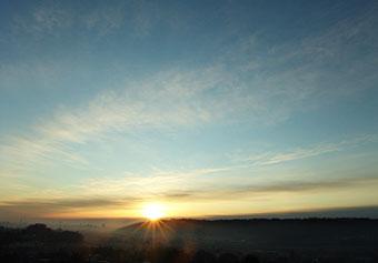 今朝の雲とお日さま♪