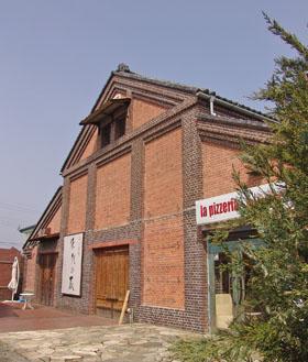 総社町の赤煉瓦倉庫 ♪