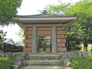 吉井町の「多胡碑」 ♪