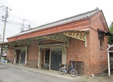 安中宿の赤レンガ倉庫 ♪