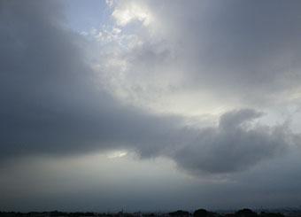 今朝の雲とお月さま ♪