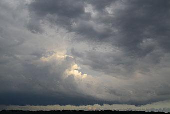 雷雲と雨のち夕焼け ♪