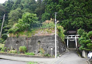 松井田の風景 鉄道遺構(SL用給水タンク) ♪
