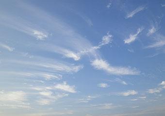 4時の雲 ♪