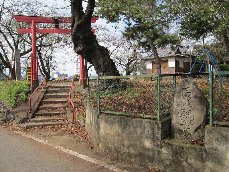 史跡看板散歩-66 栗崎町諏訪神社