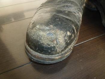 ここまで綺麗に直ります!!ブーツの補修