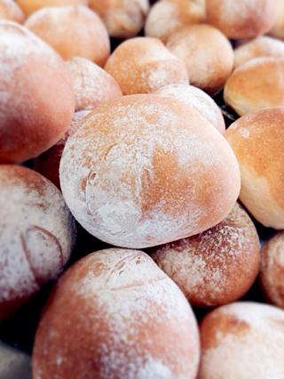 7月31日金曜日の営業案内&自家製パンの販売