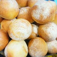 4月17日月曜日の営業案内&自家製パンの販売