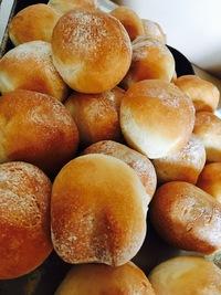 5月13日(日)の営業案内&自家製パンの販売のお知らせ