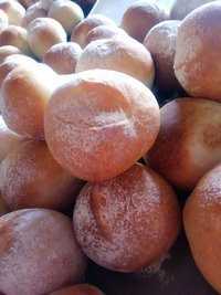 3月16日木曜日の営業案内&自家製パンの販売