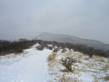 吹雪の鍋割山 2