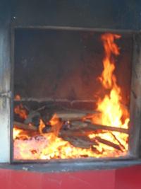 薪の乾燥ボイラーが熱い