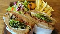 凄いボリュームのサンドイッチ…グローカルさん