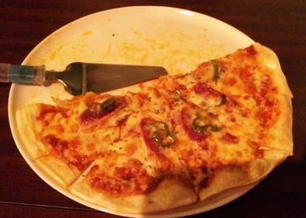 カラオケ屋のピザとパスタ