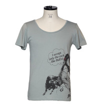 DesPierre Tシャツ