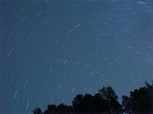 夜空に輝く星を眺めませんか?