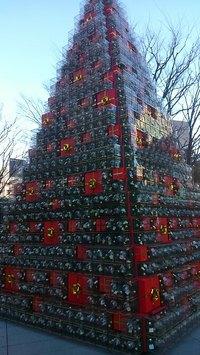 ヒルズのクリスマスツリー