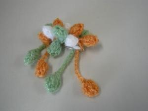 モヘア毛糸でつくる!木の実ブローチ